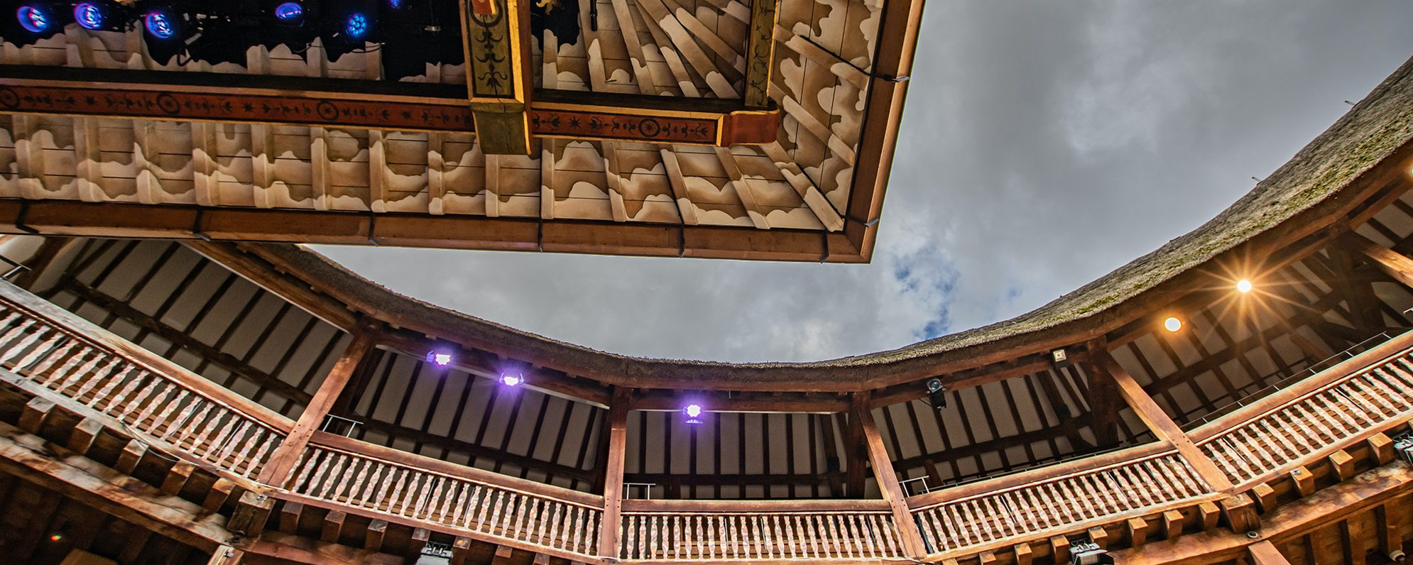 A shot of the sky taken from the Globe stage, with the upper circle visible.